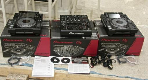 For sale Cdj2000nxs2/DMJ2000nxs/Yamaha Motif XS8/ Korg M50-88 and many more.
